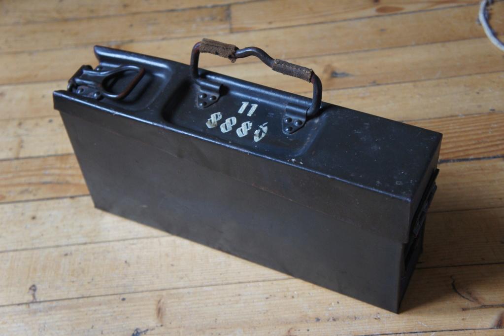 Marquage du fabricant sur une caisse à munition de mitrailleuse MG 34 OU 42? Dsc04411