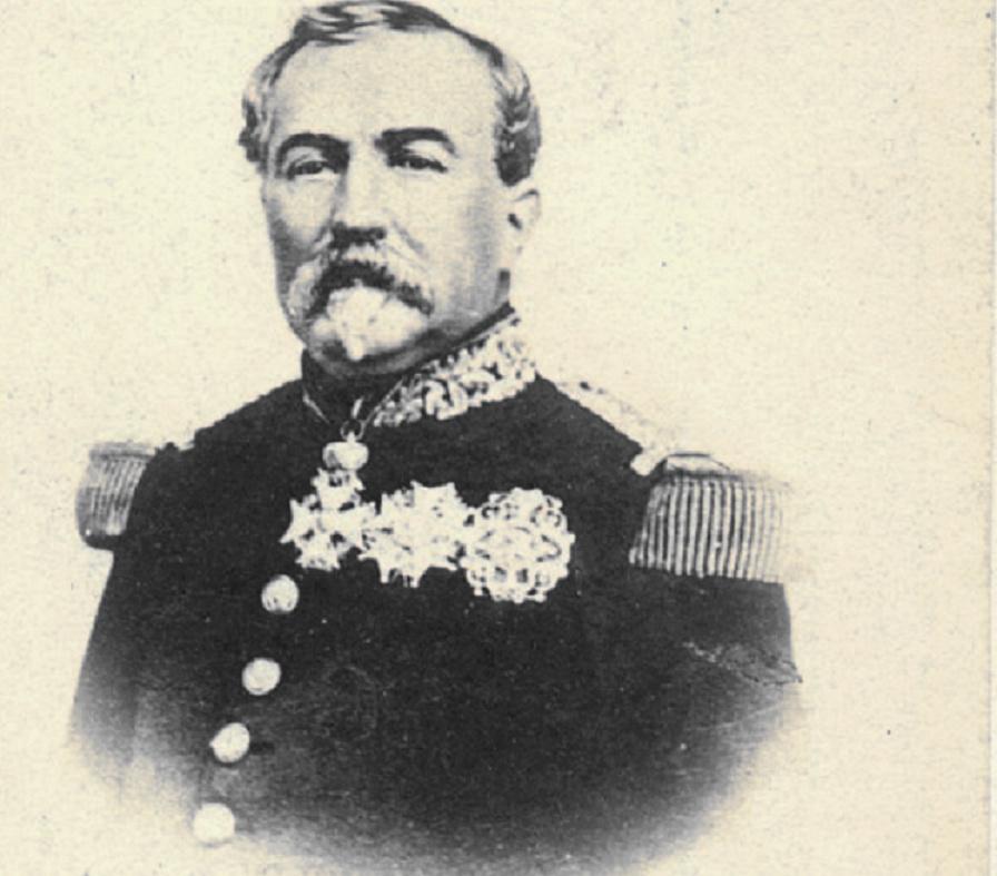Identification médailles sur photo  du général Lamoricière vers 1860 Lamori10