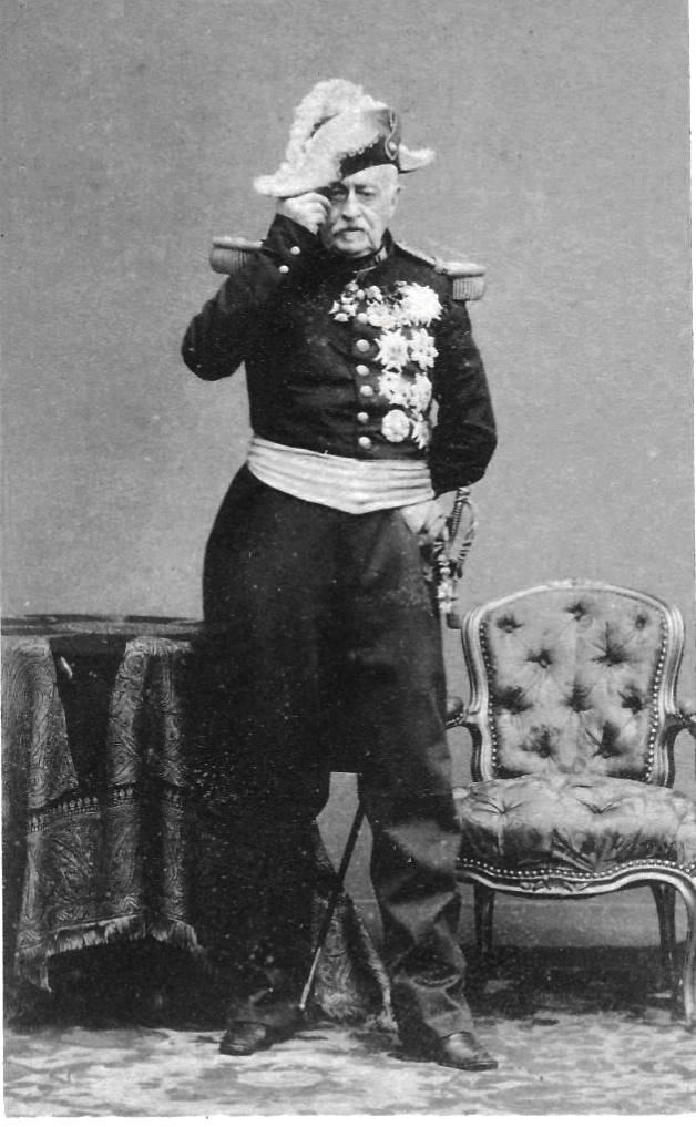 Photo dédicacée du Maréchal DE CASTELLANE, un  vétéran de l'Empire... Marzoc10