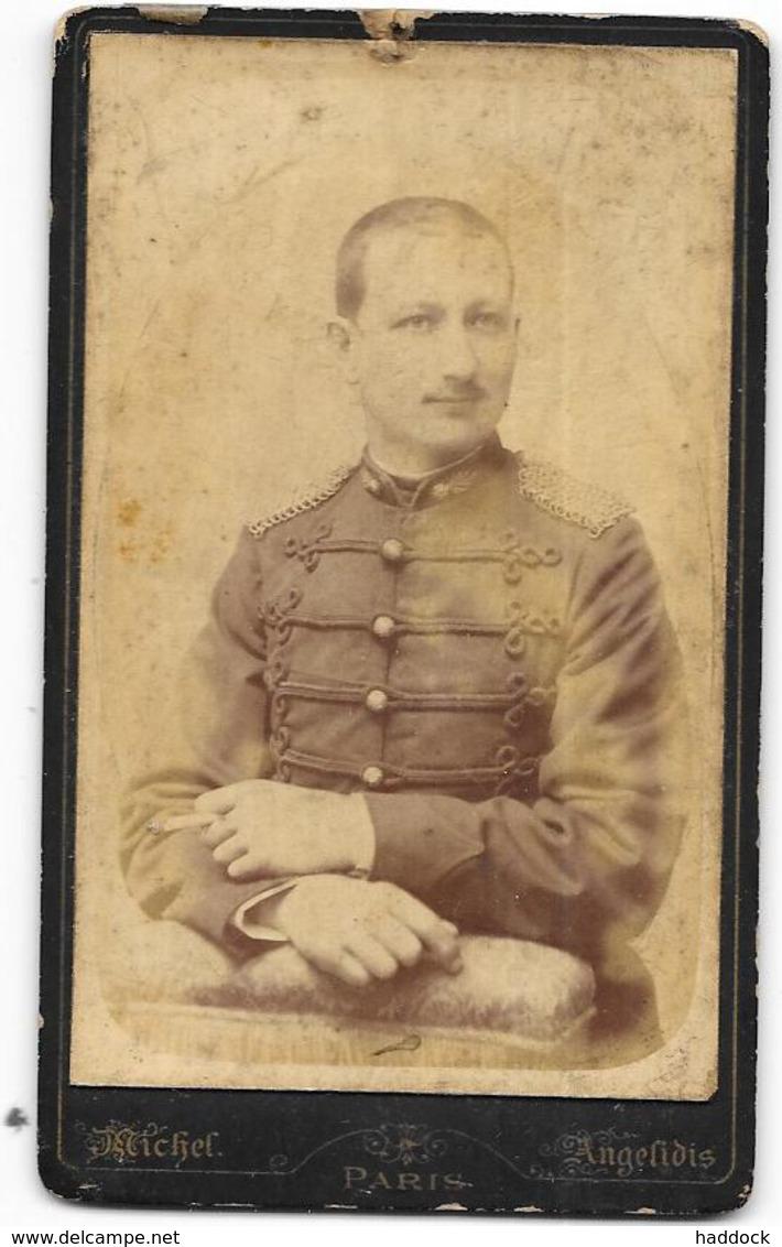 2 photos militaires avec des spécialittées à identifier Troisi11