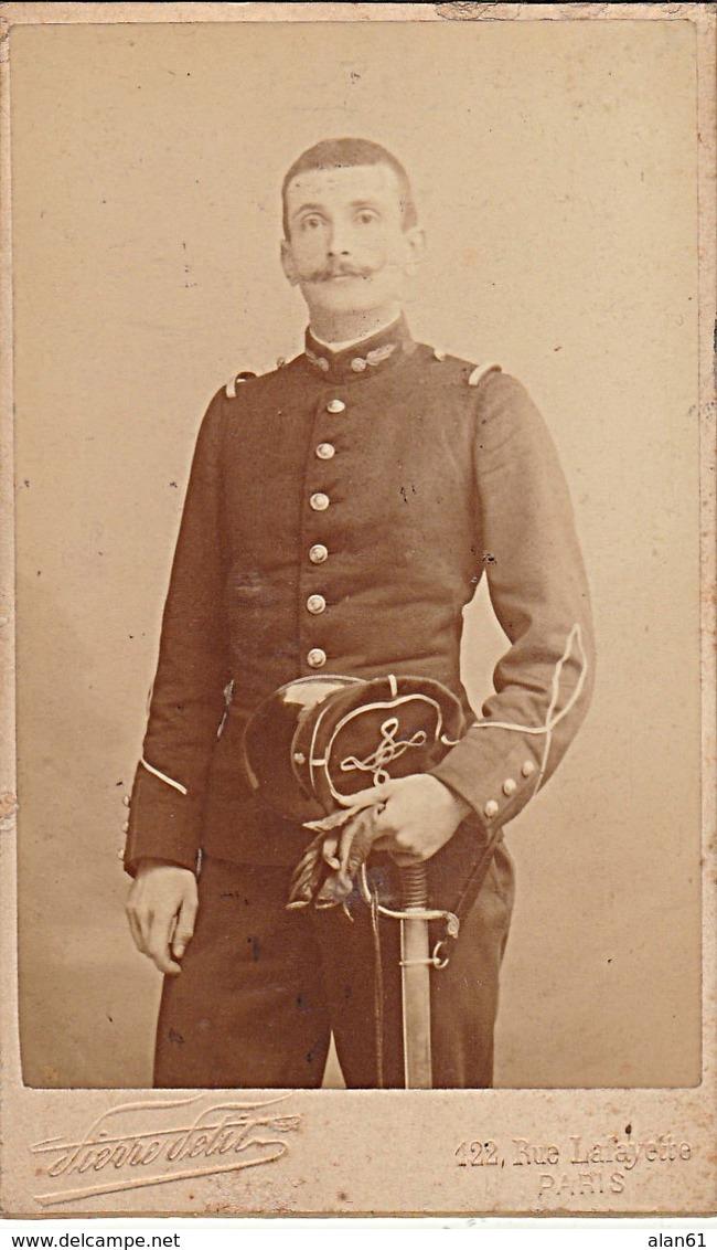 Une photo d'un militaire  avec de curieux galons , pompier? Troisi12