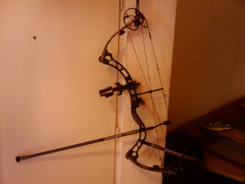 Dead Steady Carbon by Dead Center Archery  2013-020