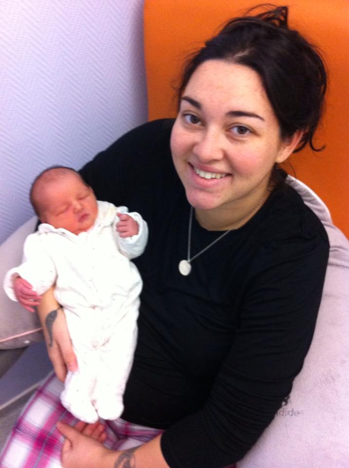 Depuis le 3 janvier ma vie reprend un sens , Lilou est née ! 42913411
