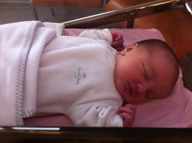 Depuis le 3 janvier ma vie reprend un sens , Lilou est née ! 60269011
