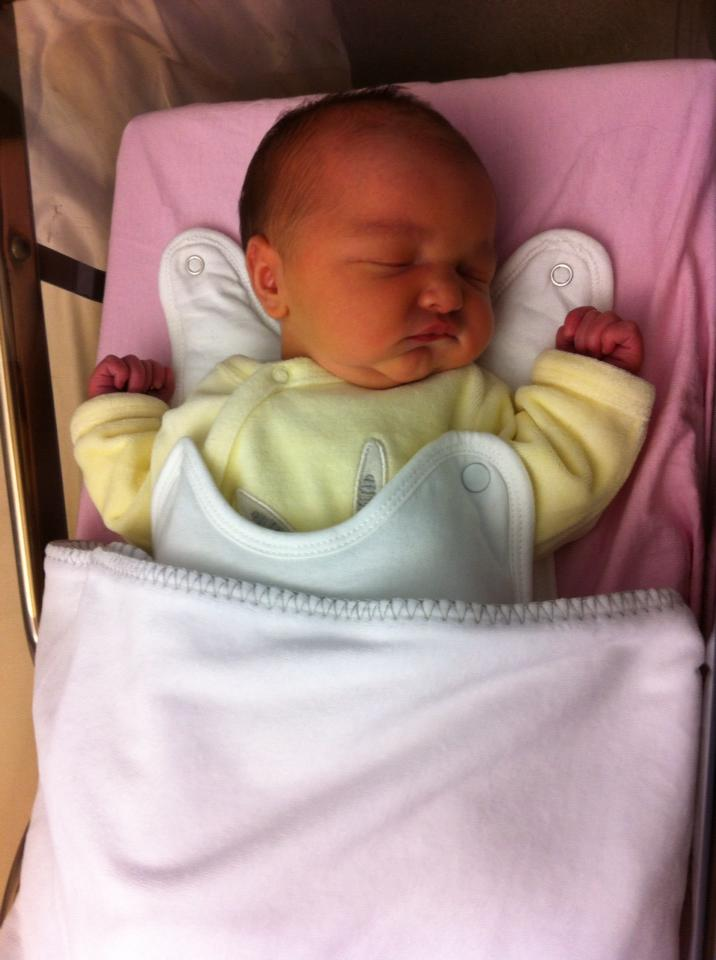 Depuis le 3 janvier ma vie reprend un sens , Lilou est née ! 60283411