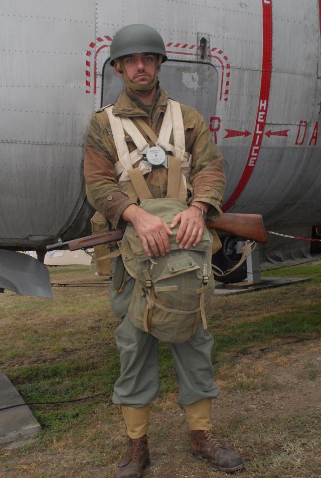 Parachutiste du 1er BCCP SAS prêt à sauter, opération Vega (février 1948) Dsc_0111