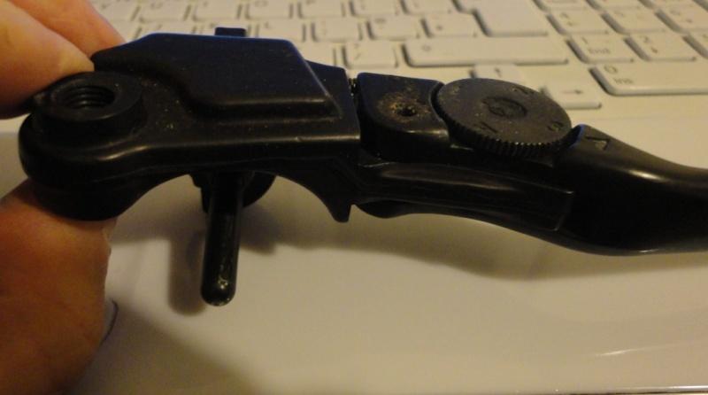 Changing the front brake lever on a 4 valve bike Adjust11