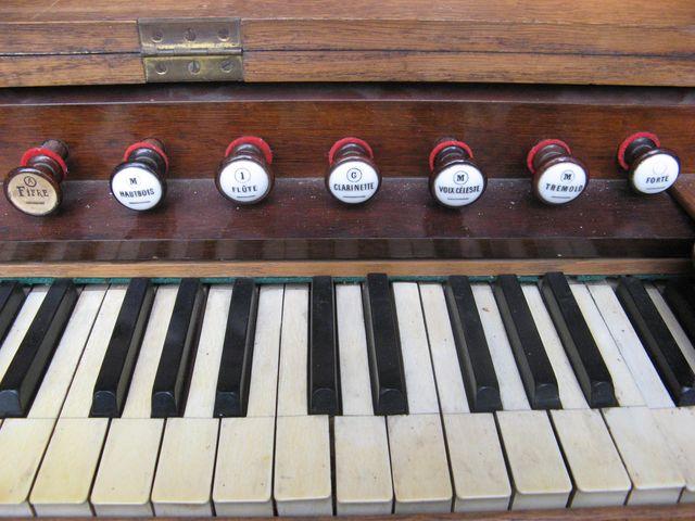 "H. Fourneaux avec ""Harmonichordéon"" Harmon15"