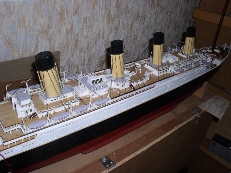 Le Titanic d'après les plan de JC ROSSO  au 1/200ème  - Page 8 P1010013