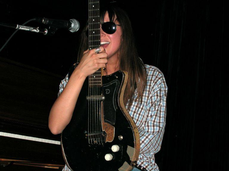 Chan's Guitars 810