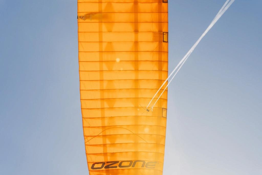 Nouveau kite de Race Ozone R1V4  10448210