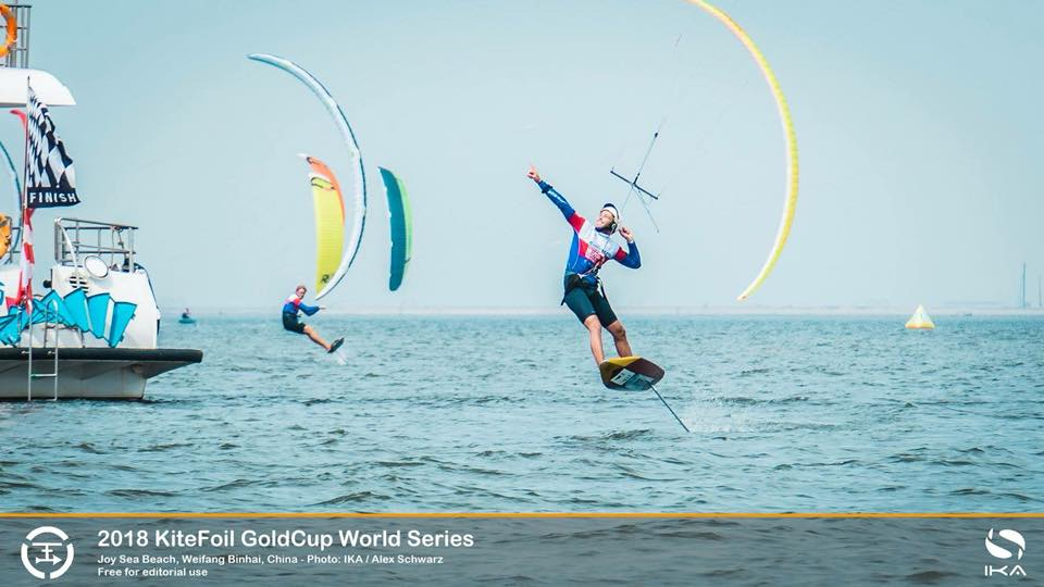 Kitefoil gold cup: Maxime NOCHER revient aux affaires  40796410