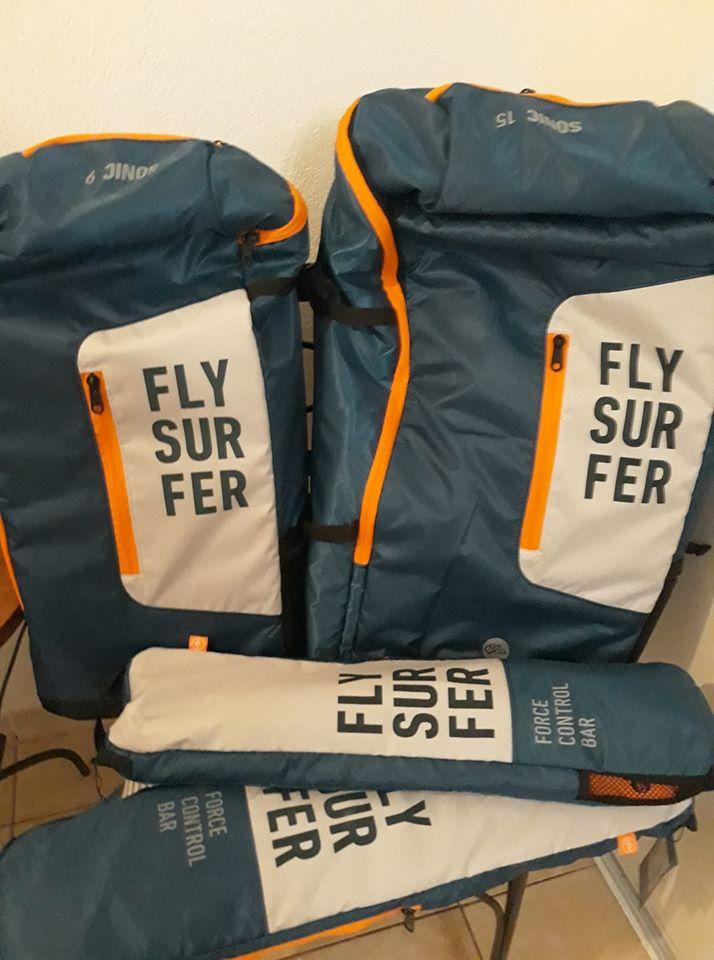 Samedi 7/03/2020 ; Déballage Sonics 3 Flysurfer 9 et 15 à l'Almanarre 89263410