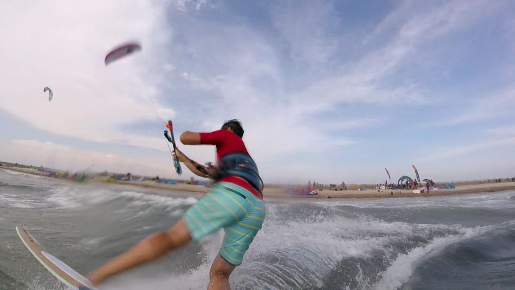 Flysurfer/Levitaz à l'Alamanarre ce week end ! Vlcsna54