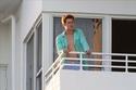 Ed Speleers - Plastics set (Miami) Balcon13