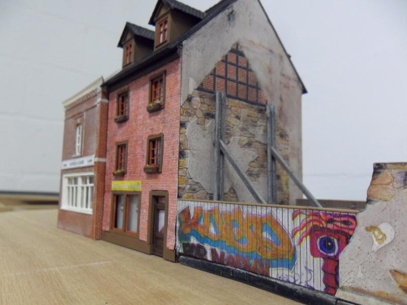 """les bâtiments de: """"mon projet de gare terminus belge""""   Sam_0511"""