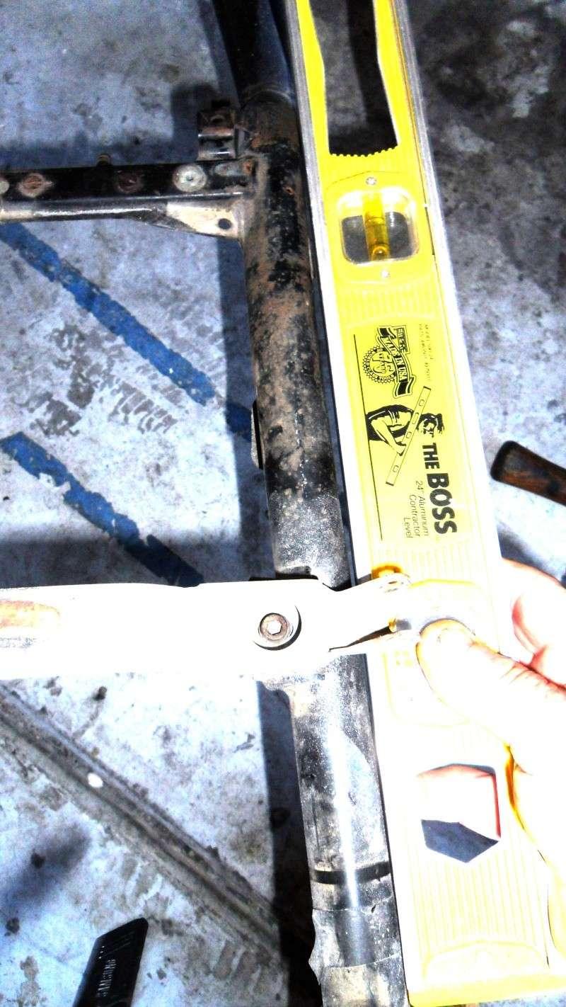 detecting a bent frame Sam_2225