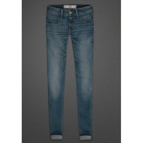 Help with Jeggings and Black Uggs! Abercr10