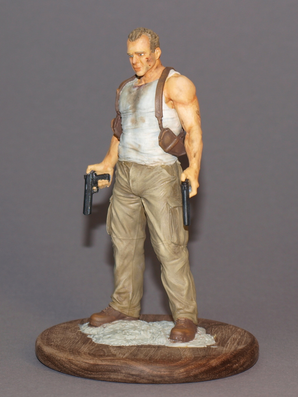 Bruce Willis - John McClane als 120 mm Figur Bw_1110