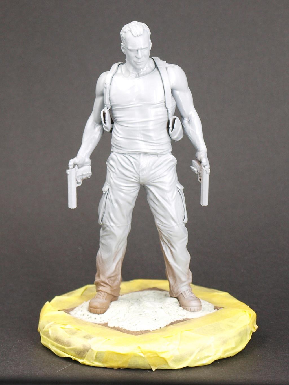 Bruce Willis - John McClane als 120 mm Figur Bw_410