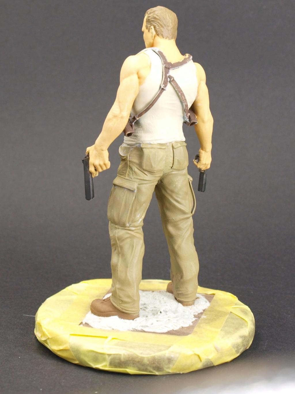 Bruce Willis - John McClane als 120 mm Figur Bw_610