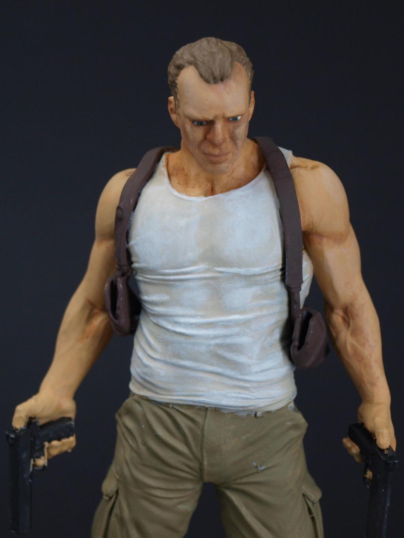 Bruce Willis - John McClane als 120 mm Figur Bw_710