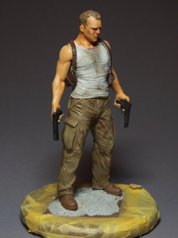 Bruce Willis - John McClane als 120 mm Figur Bw_910