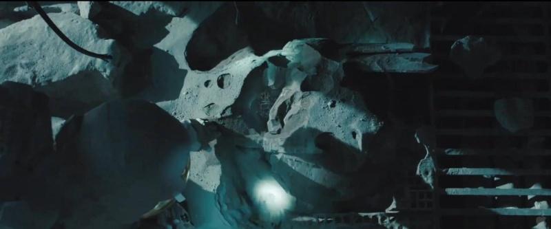 Ultra Magnus devait être le traite mais remplacé par Sentinel Prime | Recyclage du film The Island dans TF 3 | Clin d'oeil d'autres films dans les films TF | Faux Raccord: Films TF - Page 3 Optimu10