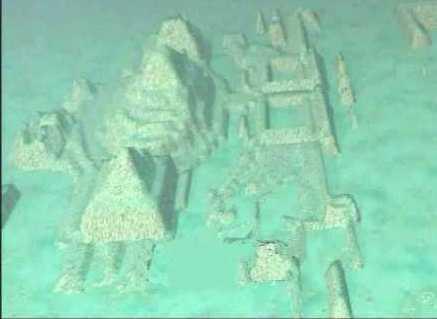 Une ville immergée découverte dans le Triangle des Bermudes Triang10