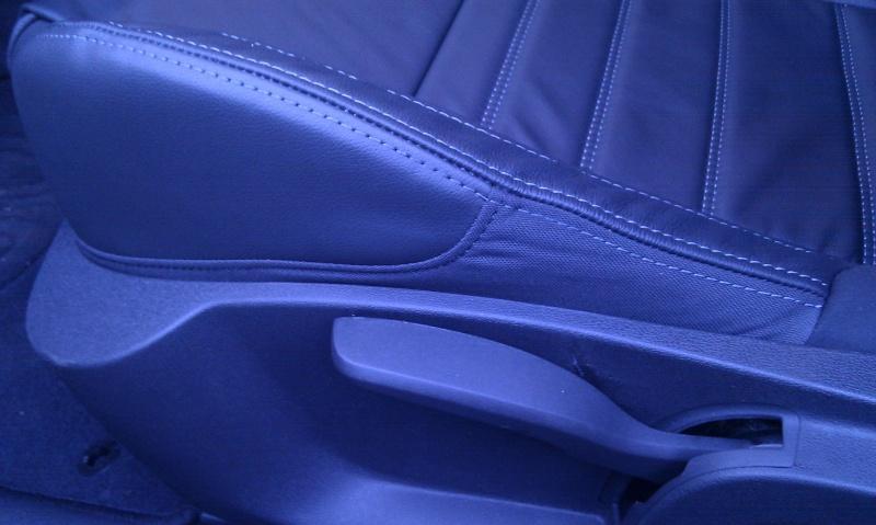 [audison] Laguna III.1 coupé Black édition 2.0 dci 150 - Page 3 Imag0422