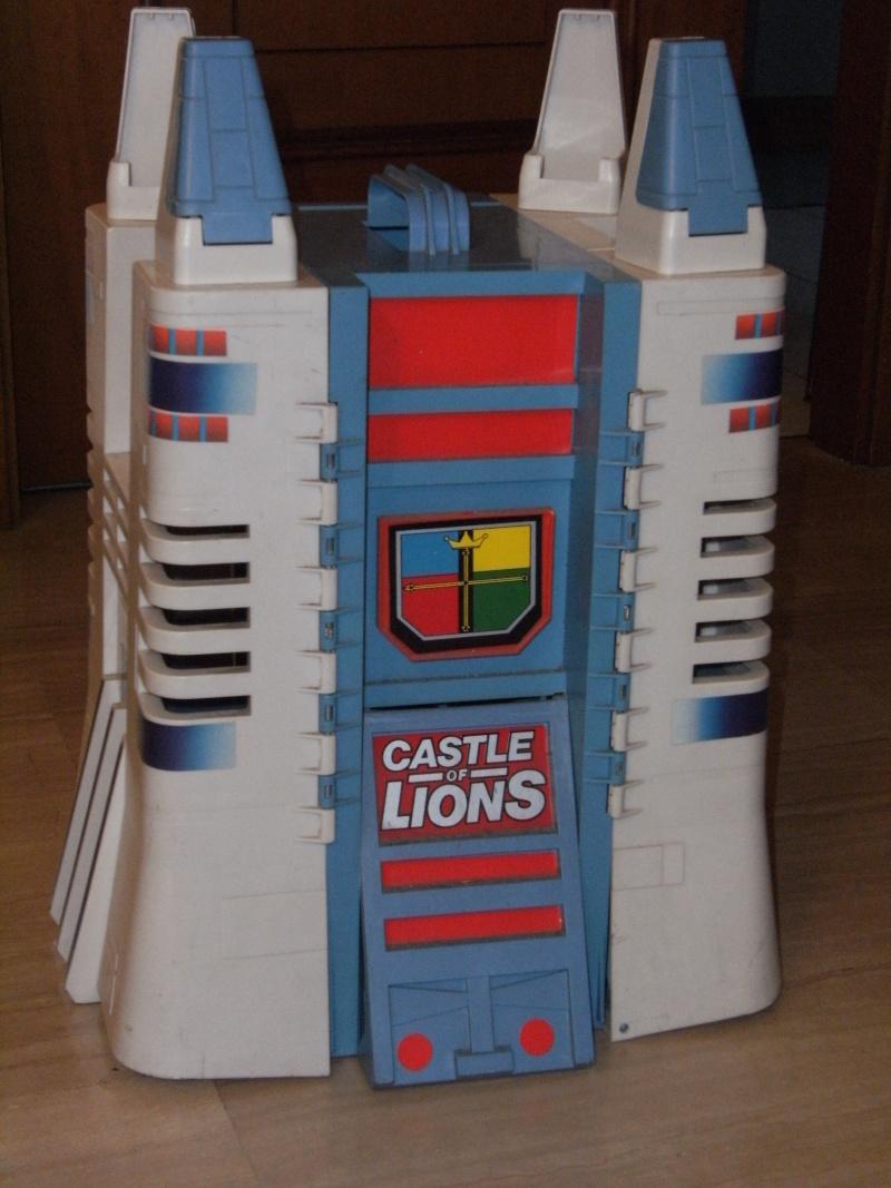 Vendo Castello di Voltron + leone Dscf3110