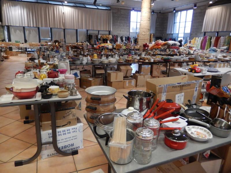 Avis à nos chères bénévoles pâtissières  Dscn5217