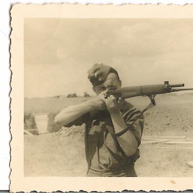 Quid de l'armement français (resté en France) durant l'occupation, stocké, utilisé, détruit? Enno410