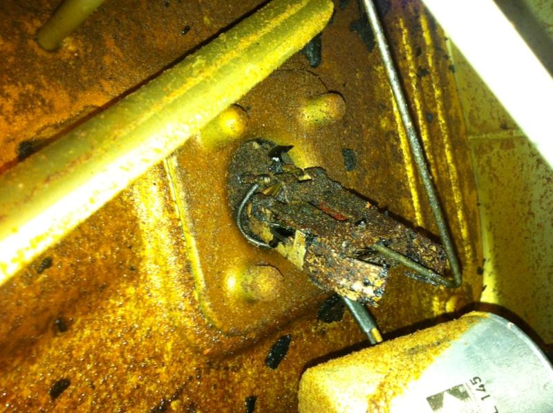 Leaking Fuel tank  Photo-26