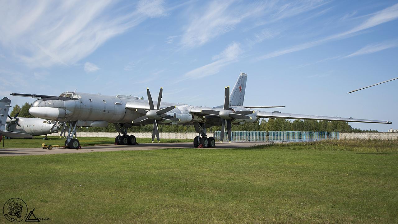 MONINO - Musée central des forces aériennes de la Fédération de Russie - Page 4 Moni-230