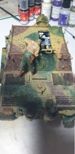 Sturmmörser Tiger - Italeri 1/35 Mise a jour le 25/11 - Page 6 20201156