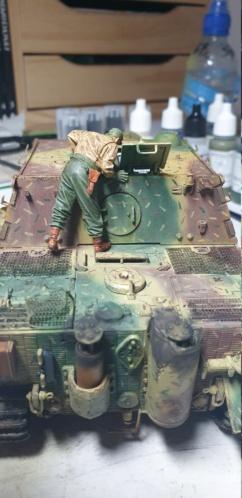 Sturmmörser Tiger - Italeri 1/35 Mise a jour le 25/11 - Page 6 20201158