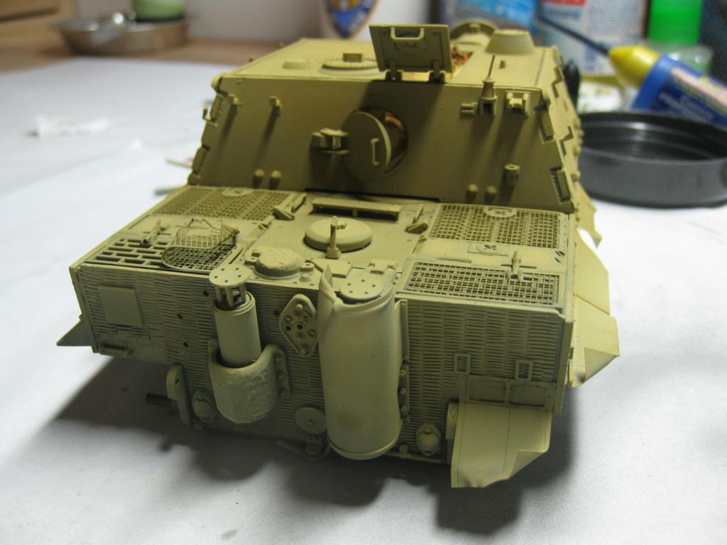 Sturmmörser Tiger - Italeri 1/35 Mise a jour le 25/11 - Page 3 Img_6041