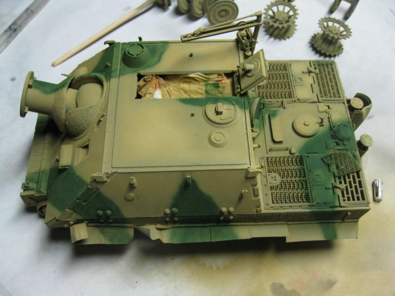 Sturmmörser Tiger - Italeri 1/35 Mise a jour le 25/11 - Page 3 Img_6048