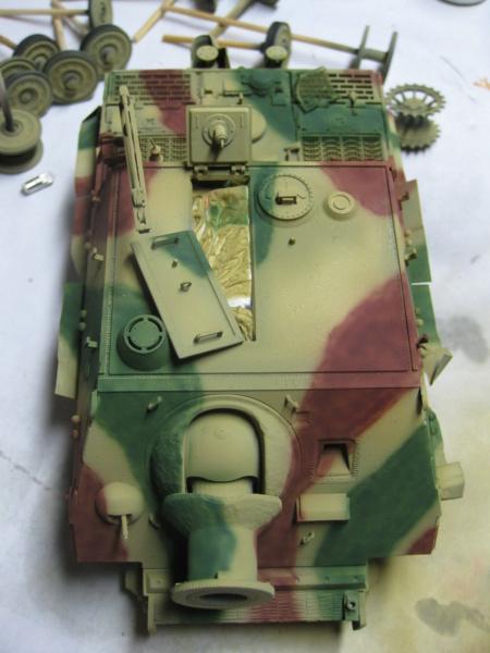 Sturmmörser Tiger - Italeri 1/35 Mise a jour le 25/11 - Page 3 Img_6111