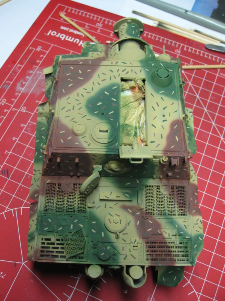 Sturmmörser Tiger - Italeri 1/35 Mise a jour le 21/11 - Page 4 Img_6148