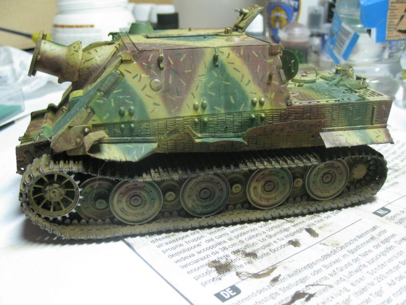Sturmmörser Tiger - Italeri 1/35 Mise a jour le 25/11 - Page 5 Img_6187