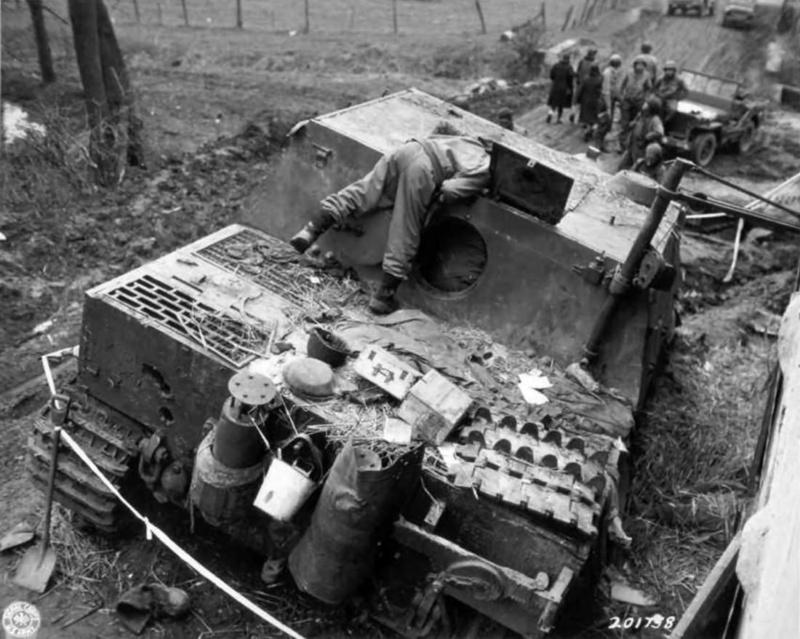Sturmmörser Tiger - Italeri 1/35 Mise a jour le 25/11 - Page 6 Oberem11