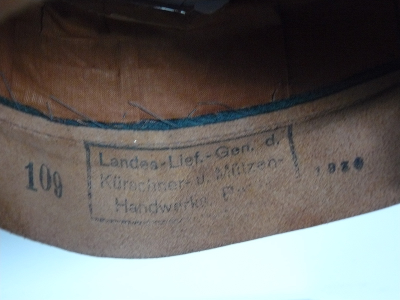 Schirmmutze Kustenartillerie - nominative et tampons unité ? P1080748