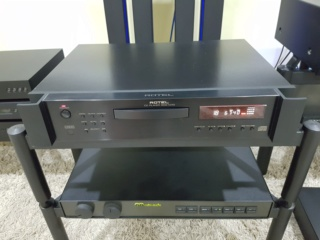 Rotel RCD 1070 - 5 Star Awards CD Player (Sold) 325