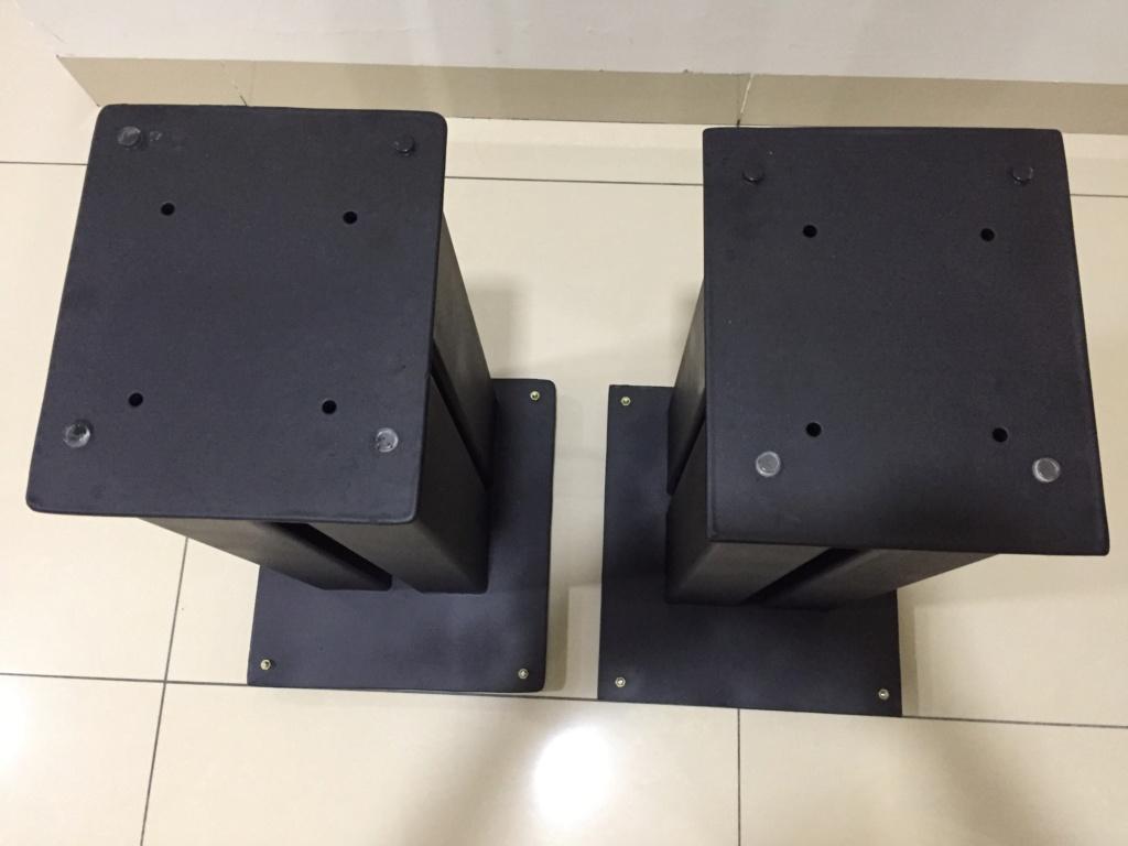 Speaker stand solid metal ( sold) 410