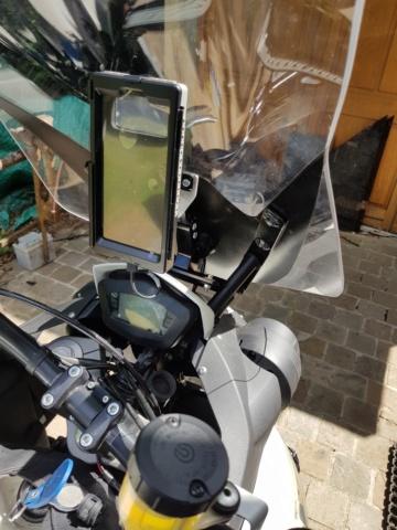 pose d'un support téléphone GPS 20200712