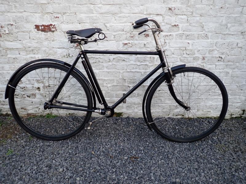 Pour les amateurs de bicyclettes vintage P2200126