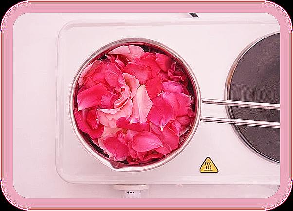 Как сделать тоник с розовой водой с использованием свежих лепестков роз. 5_a_au10