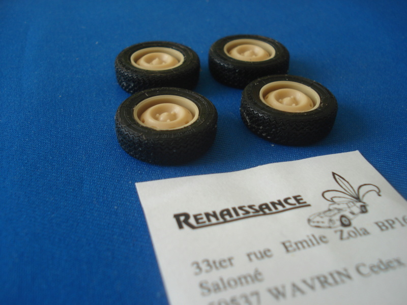 [RENAISSANCE] Sets d améliorations pour RENAULT R8 Gordini 1/24ème Réf TK24/334, TK24/325, TK24/326, 24DM1 et 24R8G Dsc07415